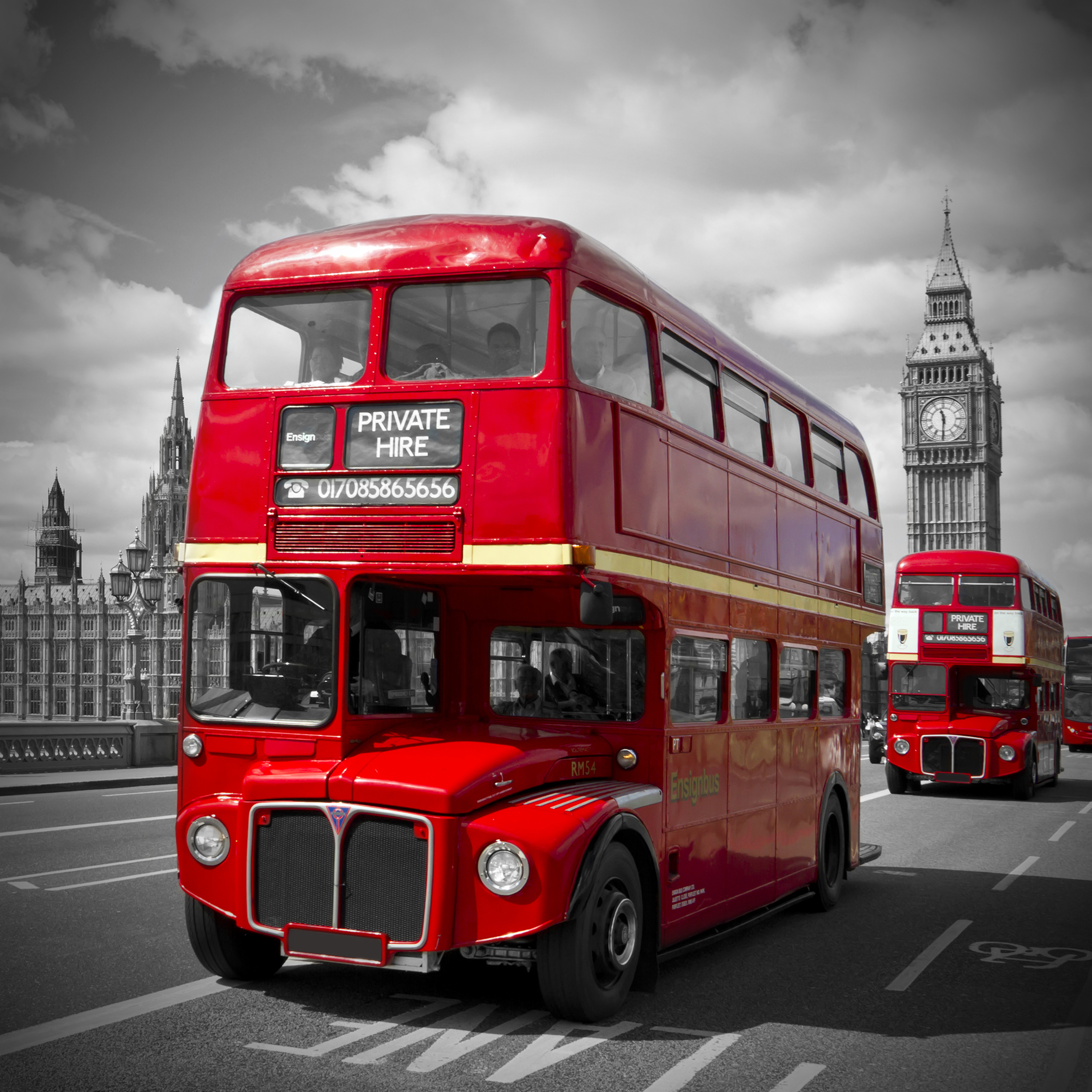 The Modelling News: Revell 07651 1/24 London Bus Pt. IV Pictures of red london buses